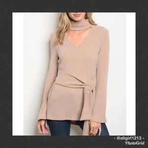 JUST IN - Choker Neck Tunic